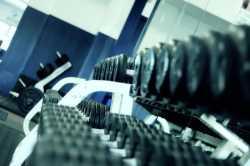 Männer im Fitnesstudio ansprechen